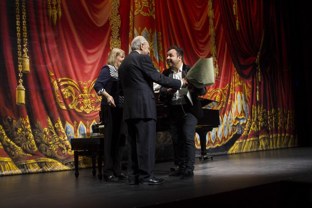 Gustavo Palomo ganó premio en Concurso Internacional de Canto Ópera de Tenerife, España