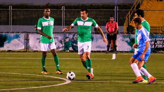 Leyendas del fútbol que han jugado en Guatemala