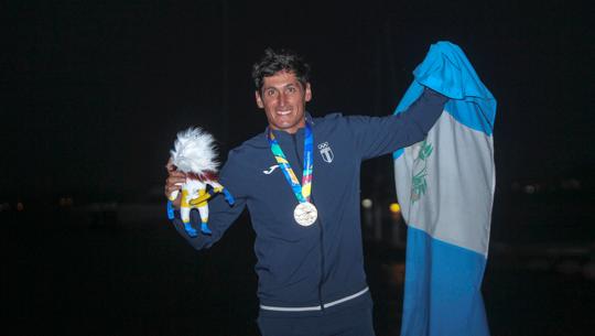 Reportaje de ESPN reconoce el talento de Juan Maegli y su aporte a la vela en Guatemala