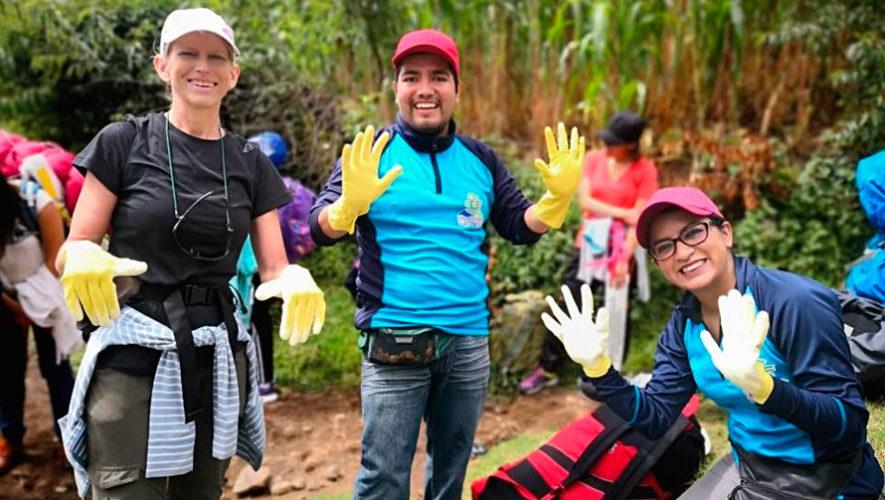 Viaje para limpiar las faldas del Volcán de Agua | Agosto 2019