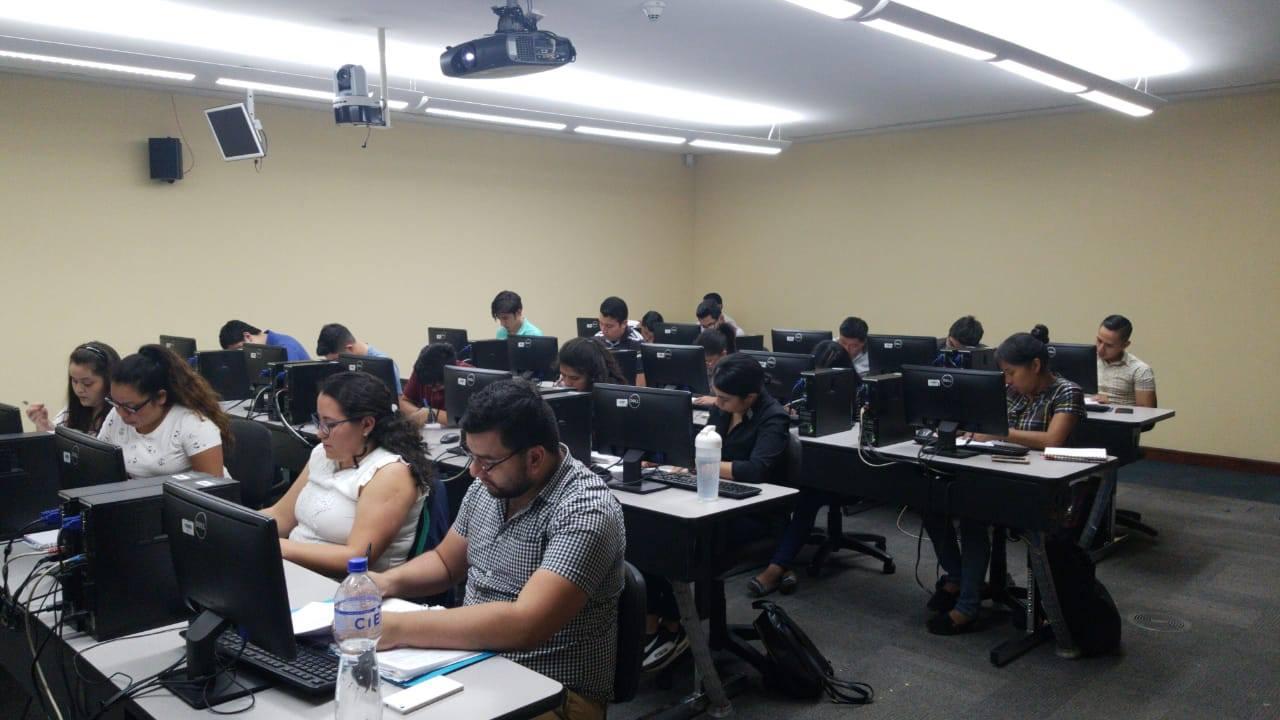 Becas en tecnología para guatemaltecos