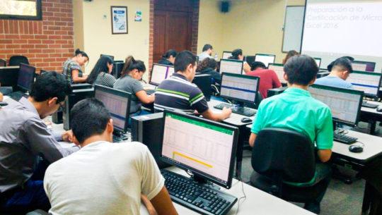 Convocatoria de becas en tecnología en la Ciudad de Guatemala, en septiembre 2019