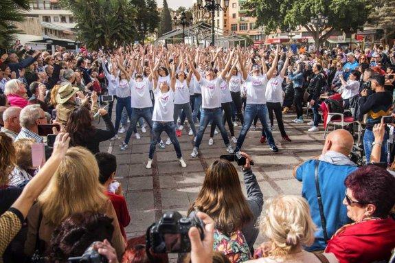 Convocatoria de grupos de baile para el flashmob