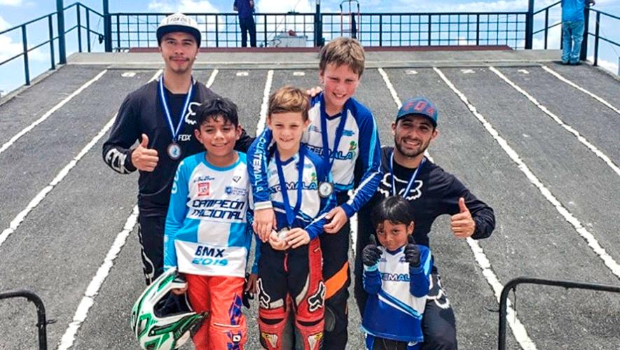 6 ciclistas guatemaltecos en el podio de Campeonato Internacional de BMX 2019 en El Salvador