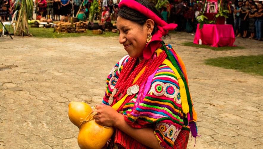 Exposición gratuita de trajes típicos guatemaltecos | Septiembre 2019