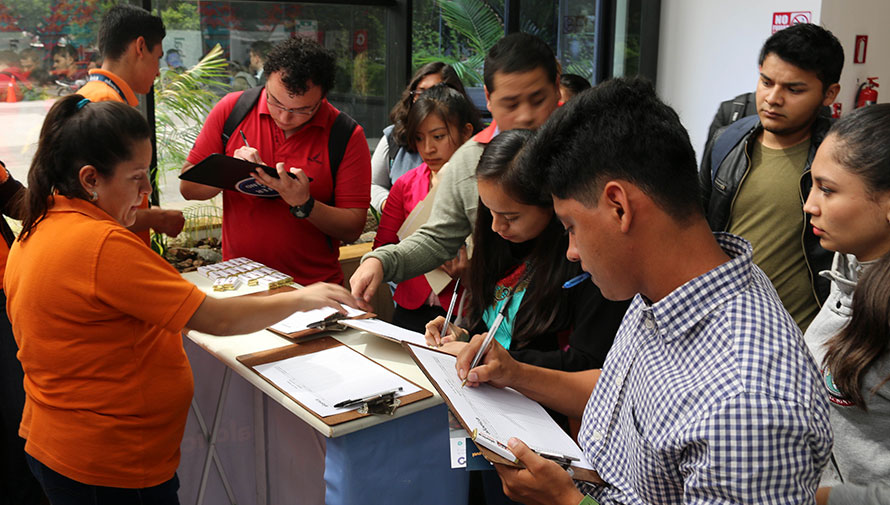 Feria de primer empleo para jóvenes en Guatemala