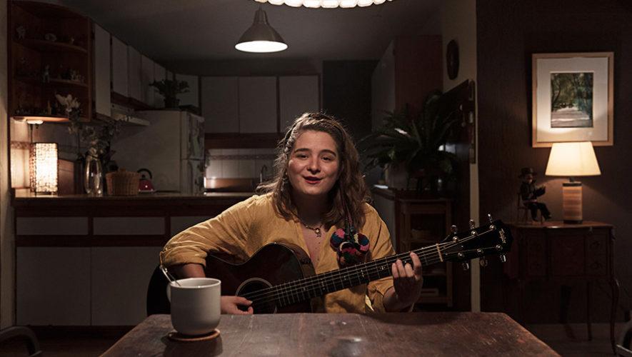 La guatemalteca Dominique Hunziker interpretó Nieta de Alba en Todoticket Presents
