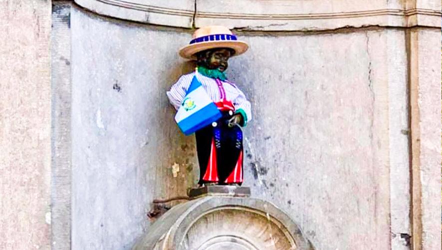 Manneken Pis en Bélgica portó el traje regional de Todos Santos Cuchumatán, Huehuetenango
