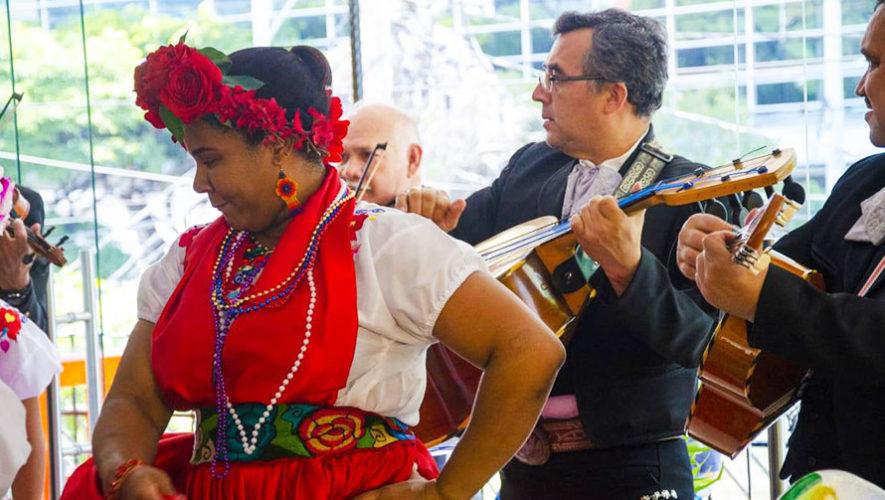 Noche mexicana con mariachi en vivo   Septiembre 2019