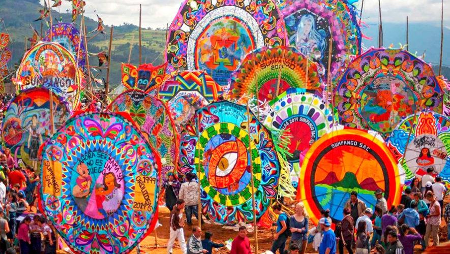 Recorrido en bicicleta al Festival de Barriletes Gigantes de Sumpango | Noviembre 2019