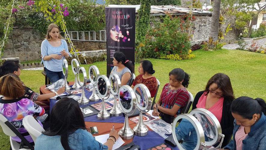 Taller de automaquillaje de día en Quetzaltenango | Octubre 2019