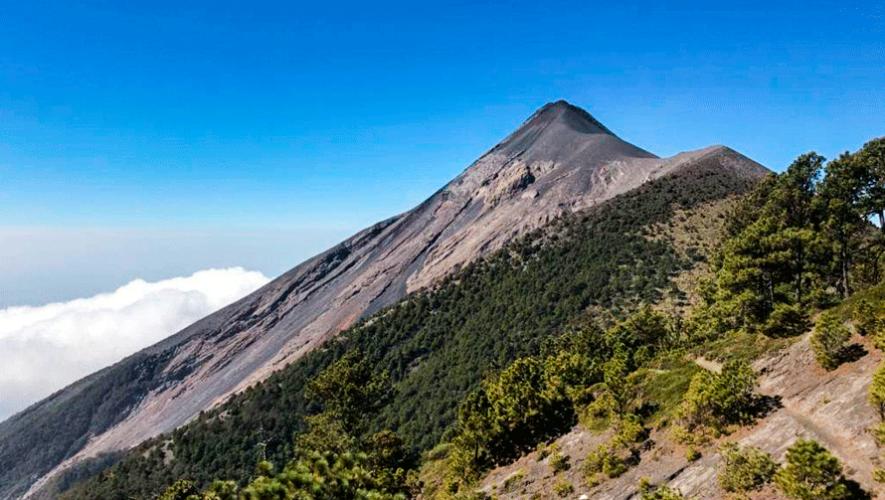 Ascenso nocturno al volcán de Fuego | Octubre 2019