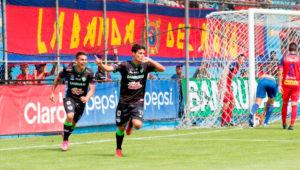 Juega fútbol con profesionales en Guatemala | Octubre 2019