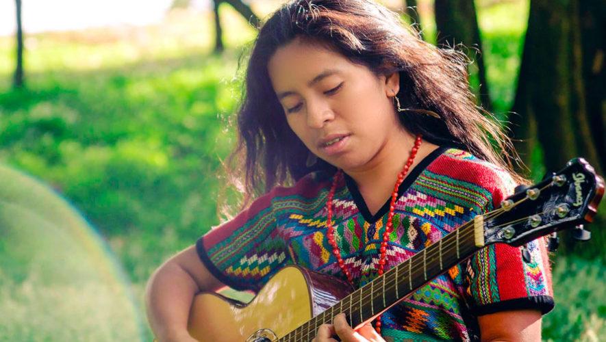 Concierto gratuito de Sara Curruchich en Antigua Guatemala | Noviembre 2019