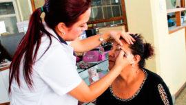 Convocatoria de maquillistas para jornada de donación de pelucas en diciembre de 2019