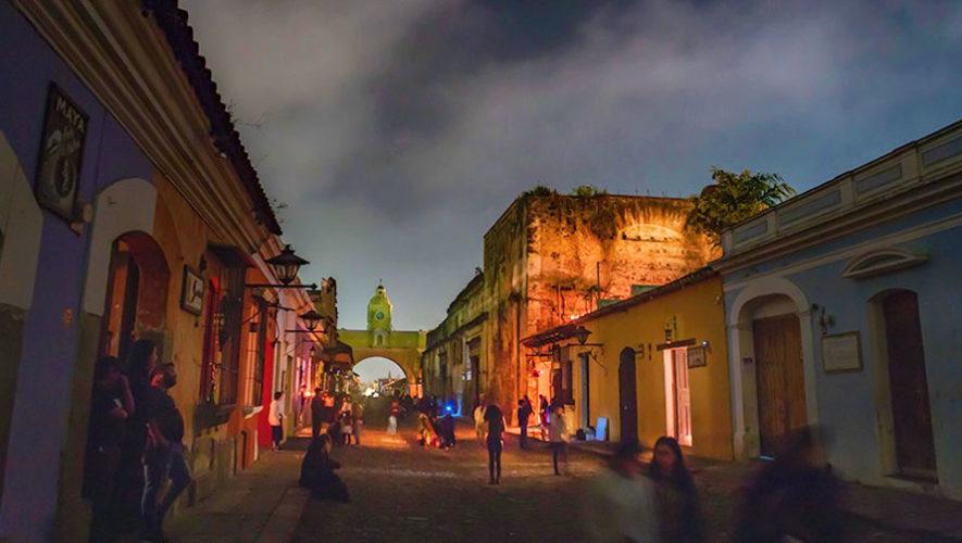 Noche de estrellas en la Calle del Arco, Antigua Guatemala | Noviembre 2019