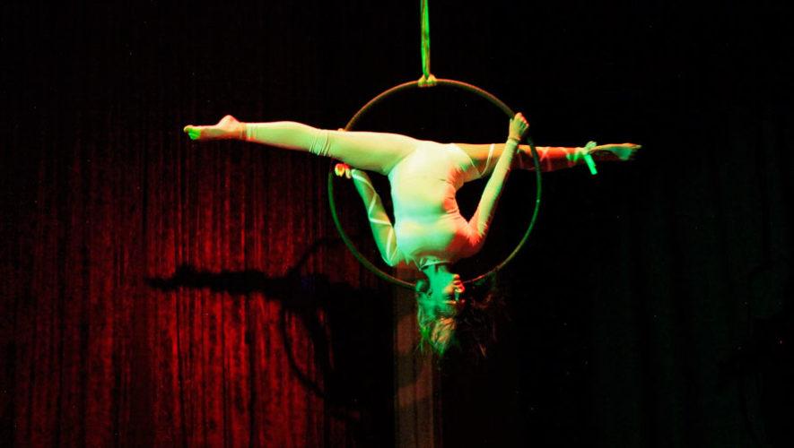 Show gratuito de acrobacias en Antigua Guatemala | Noviembre 2019