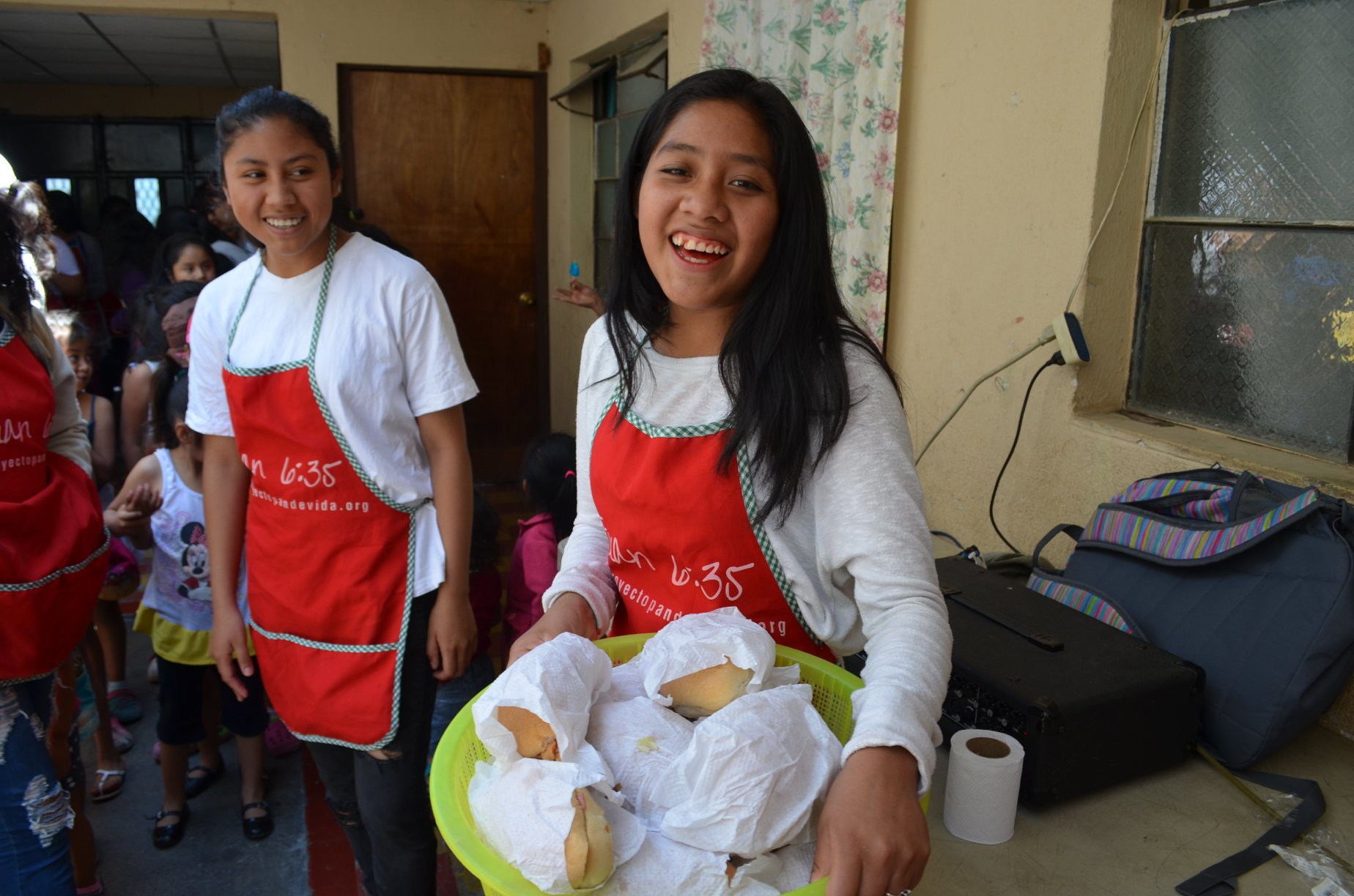 Buscan voluntarios para entregar cenas de Navidad a familias