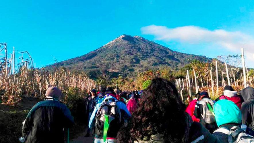 Séptima caminata familiar al Volcán de Agua | Enero 2020