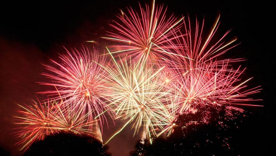 Show navideño de fuegos artificiales en Portales | Diciembre 2019