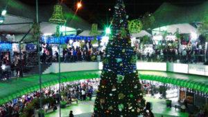 Venta navideña hasta la media noche en Plaza el Amate   Diciembre 2019