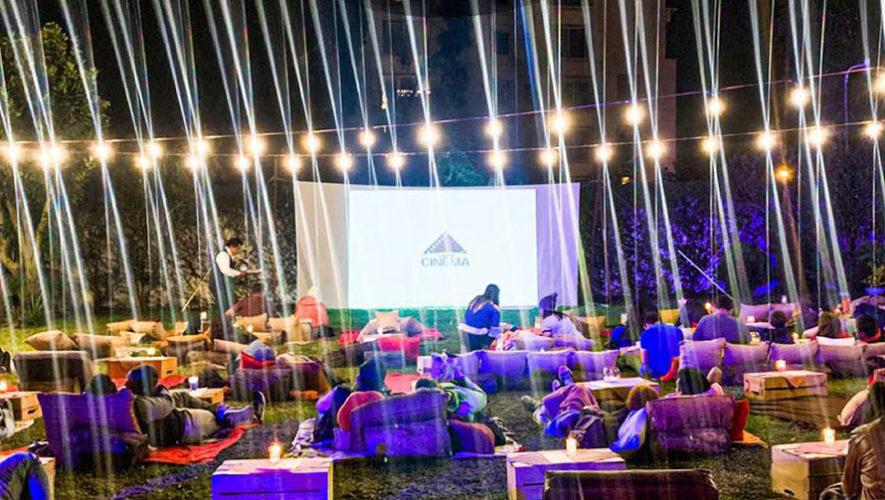 Proyección de cine al aire libre en Zona 11 | Enero 2020