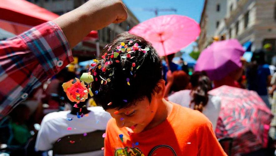 Celebración de carnaval en Guatemala con cascarones, antifaces y ópera | Febrero 2020