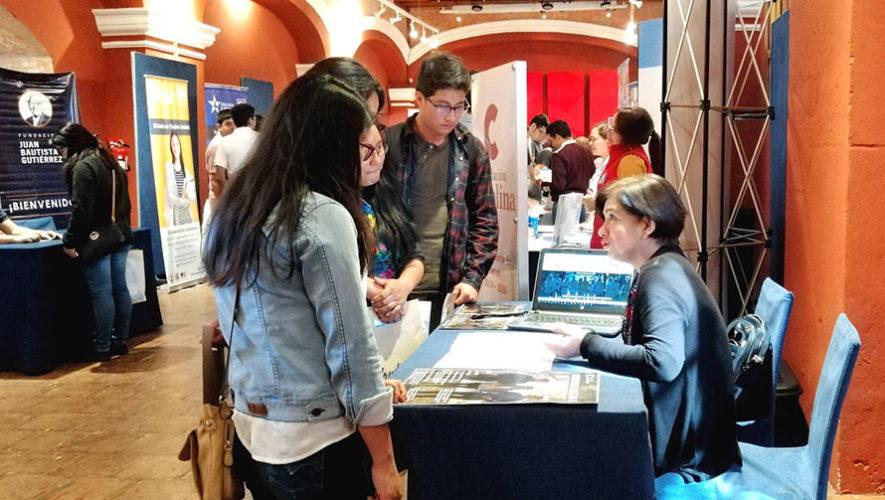 Feria de becas universitarias y carreras científicas en Antigua Guatemala | Febrero 2020