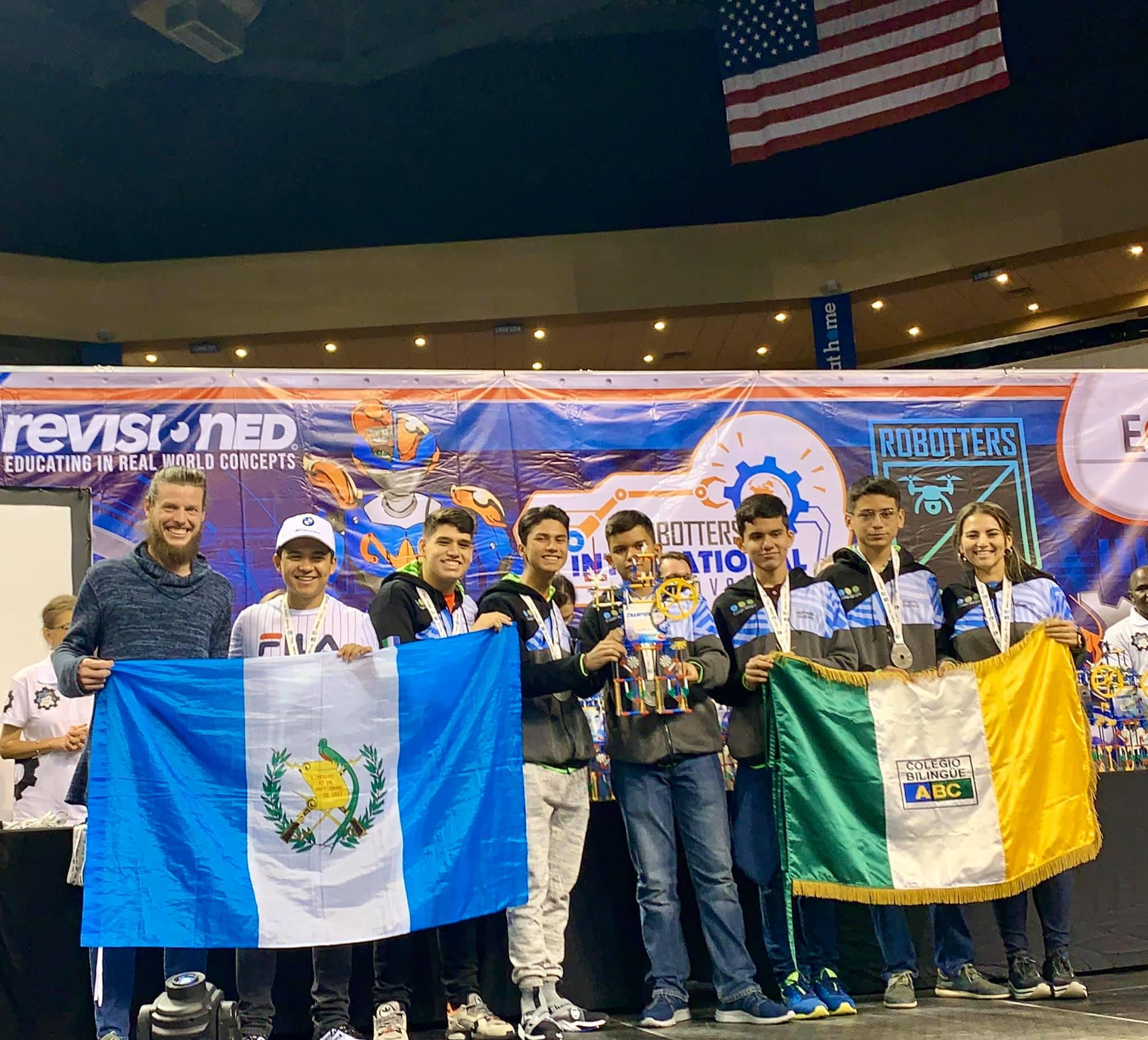 Originarios de Izabal ganaron primer lugar en Robotters International Festival en Estados Unidos 2020