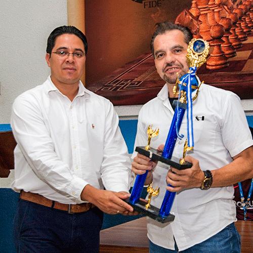Carlos Juárez, campeón 2020