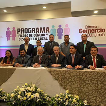 Cámara de comercio lanza programa piloto para empoderar a la mujer 1