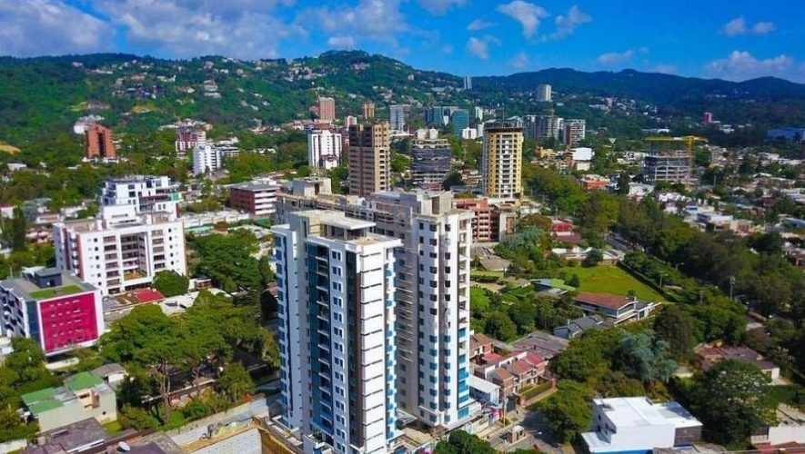 Vista panoramica de Guatemala donde se muestra su infraestructura