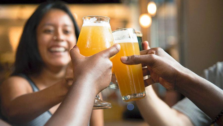 Jueves de karaoke y cervezas en Zona 11 | Marzo 2020