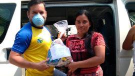 Bolsas de víveres fueron donadas a 120 familias de FUNOG en Guatemala