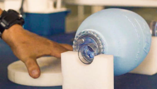 COVID-19 Intecap crea respirador a bajo costo que funcionará sin electricidad