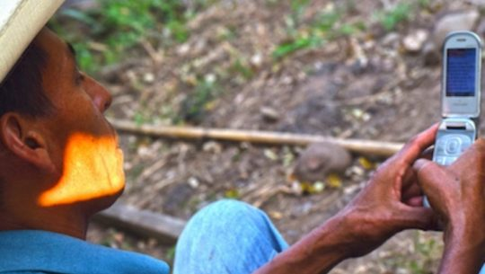 Emilpa, servicio gratuito de mensajes que informa del COVID-19 a zonas rurales de Guatemala