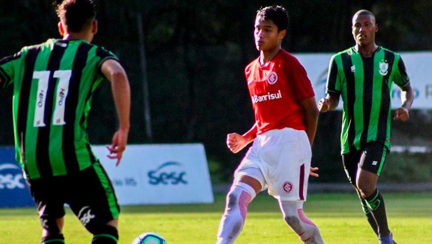 Marcelo Saraiva, el guatemalteco que brilla en las inferiores del Internacional de Brasil