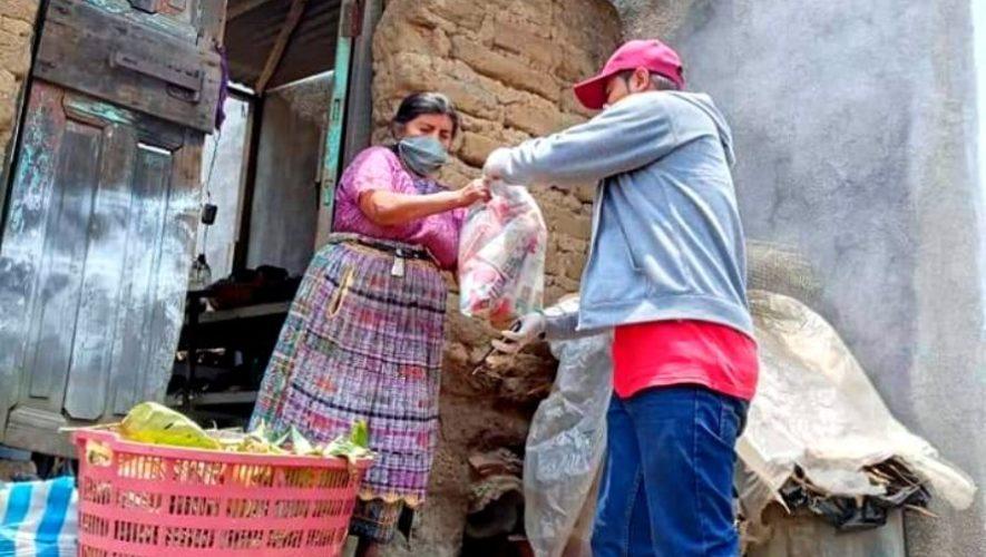 Universidad Mesoamericana donó bolsas de víveres para las comunidades de Quetzaltenango