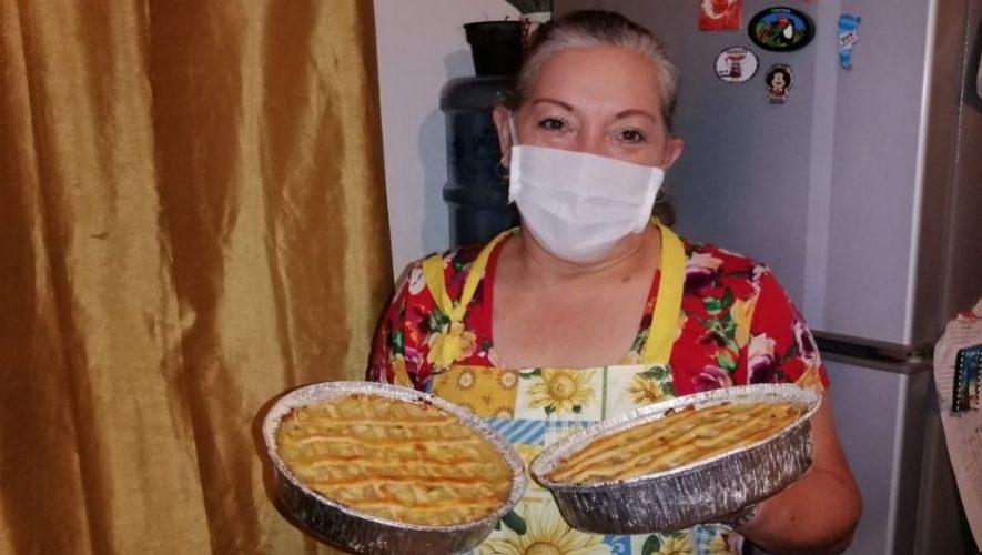 Abuelita vende pasteles caseros para ayudar a su familia debido el COVID-19