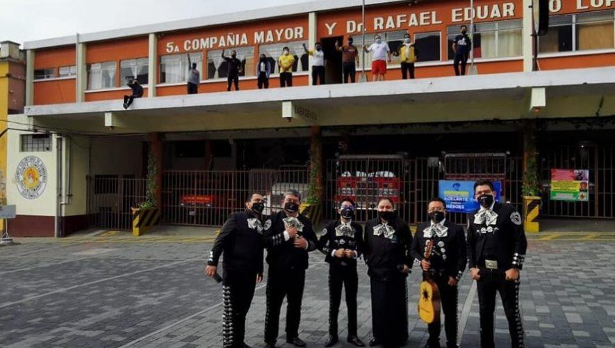 Bomberos Voluntarios de Quetzaltenango recibieron serenata como muestra de apoyo