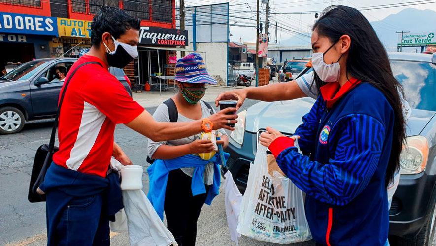 COVID-19: Xelajú MC llevó comida y víveres a las personas de escasos recursos