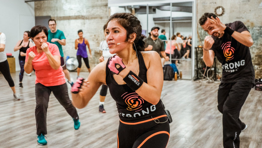Clases virtuales gratuitas de Strong By Zumba | Mayo 2020