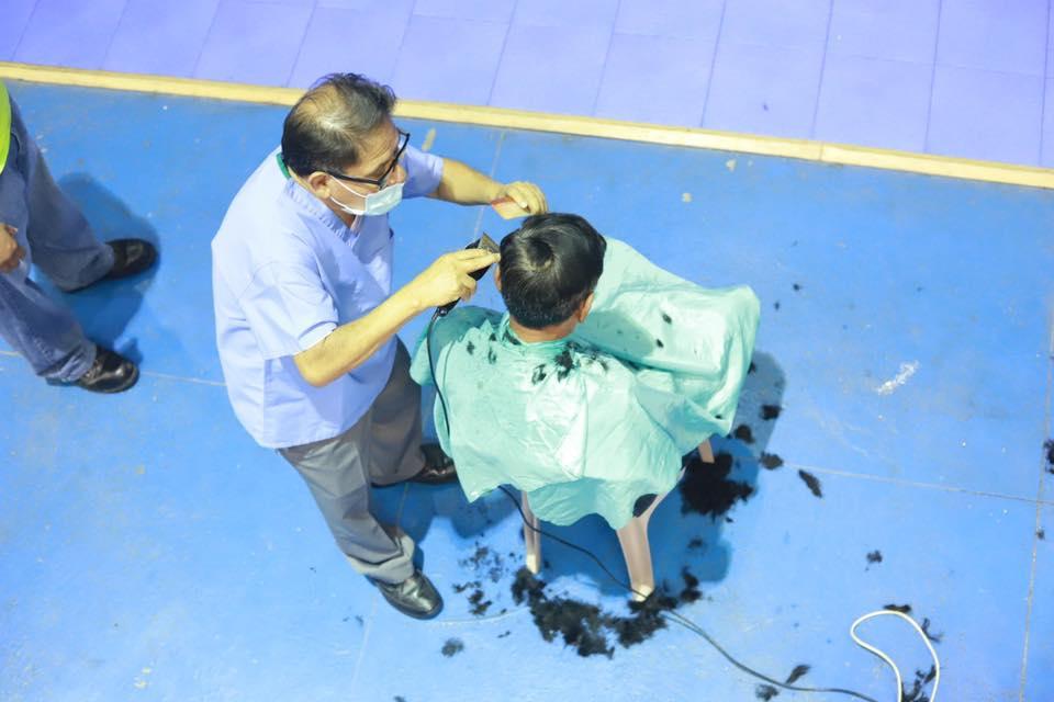 Cortes de cabello gratis COVID-19