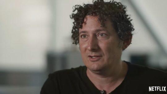 Jacob Glanville, científico que creció en Guatemala, protagoniza serie de Netflix