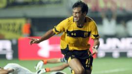 Video del primer gol de Carlos Ruiz en la Europa League