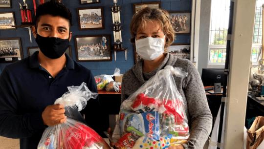 COVID-19: Guatemaltecos donan víveres para ayudar a árbitros de sóftbol