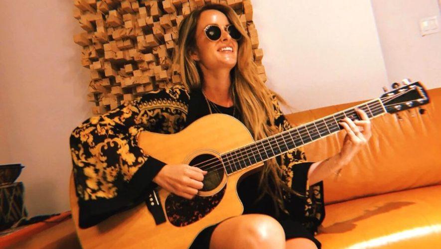 Concierto en línea de Stephanie Zelaya presentando su nueva canción ¿Qué nos pasó? | Junio 2020