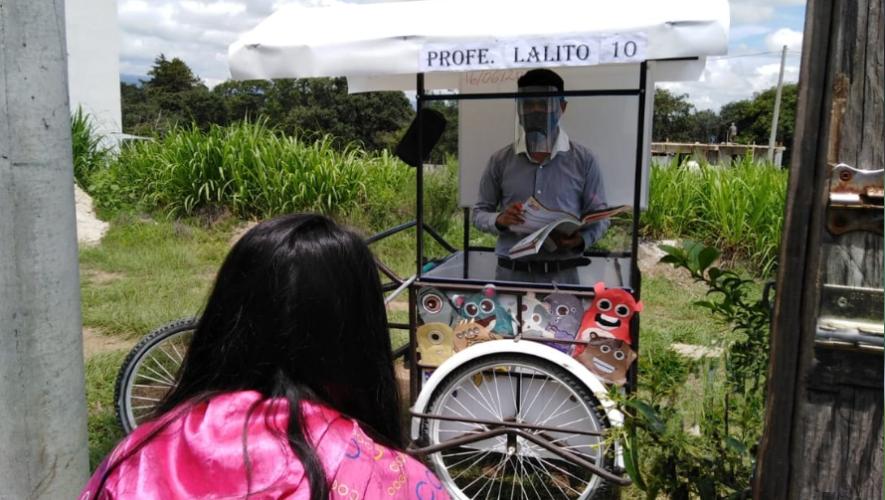 Gerardo Ixcoy adaptó un triciclo para impartir clases a sus alumnos CORONAVIRUS