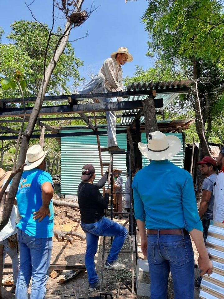 Guatemaltecos construyeron vivienda a familia de escasos recursos en Ipala 2020