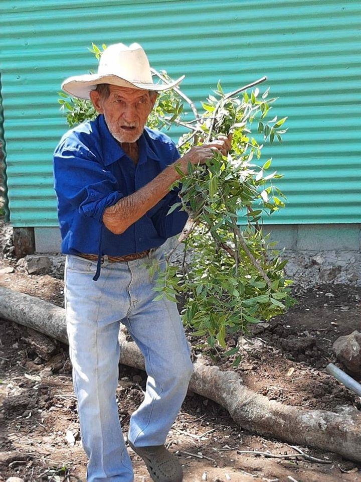 Guatemaltecos construyeron vivienda a familia de escasos recursos en Ipala